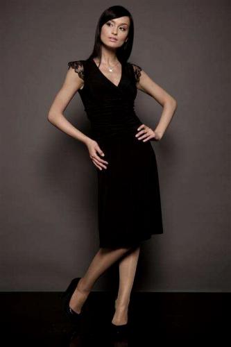 379fe148e1 Mała czarna sukienka wieczorowa z koronką - S02
